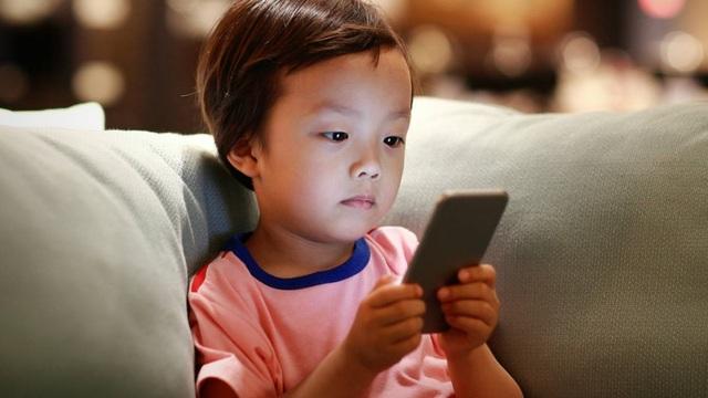 Trẻ đối mặt với nguy cơ u não cao gấp 5 lần do nghiện smartphone - 3