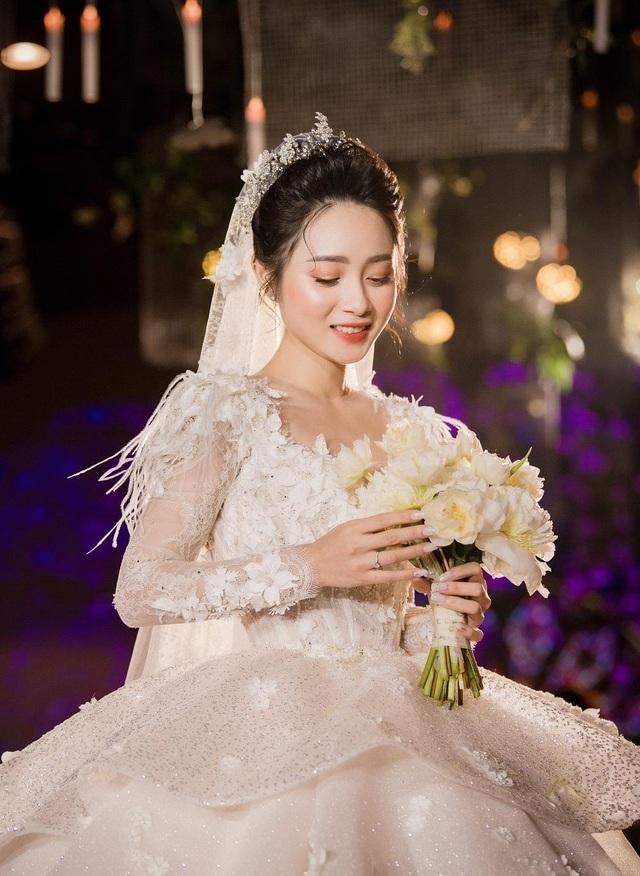 Vlogger xinh xắn mất 1 năm chuẩn bị cho đám cưới như cổ tích - 2