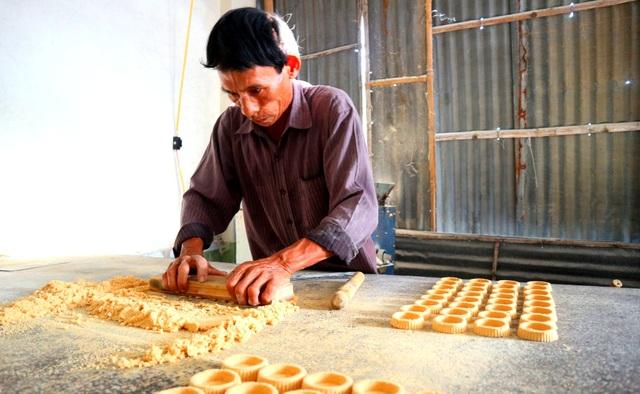 Làng bánh in truyền thống An Lạc nhộn nhịp vào vụ Tết - 1