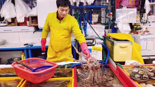 Đến Busan phải thử cà phê chả cá Goraesa, hàu sống Tongyeong - 4