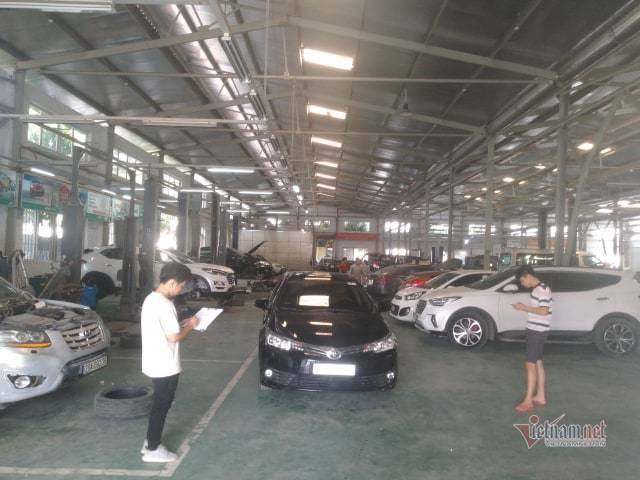Bảo dưỡng ô tô cuối năm: Khách xếp hàng đợi, garage bội thu - 3
