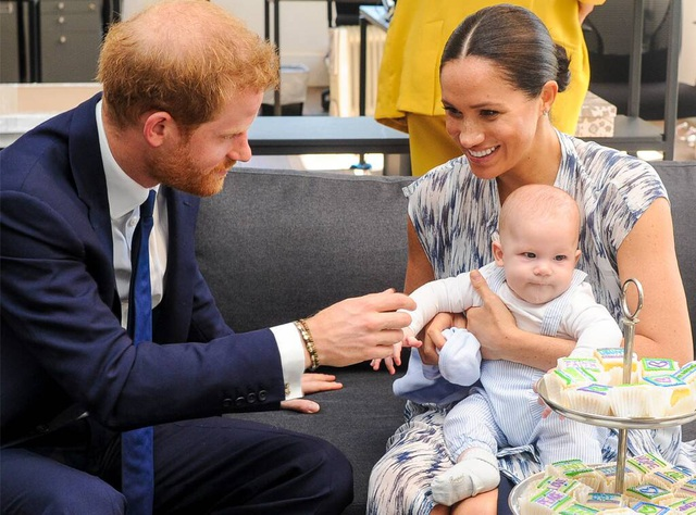 Nhà hàng Canada từ chối phục vụ vợ chồng Hoàng tử Anh Harry - 1