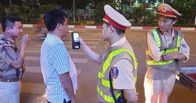 Từ 01/01/2020: Đã uống là không lái; quán nhậu phải hỗ trợ gọi taxi cho khách hàng - 1
