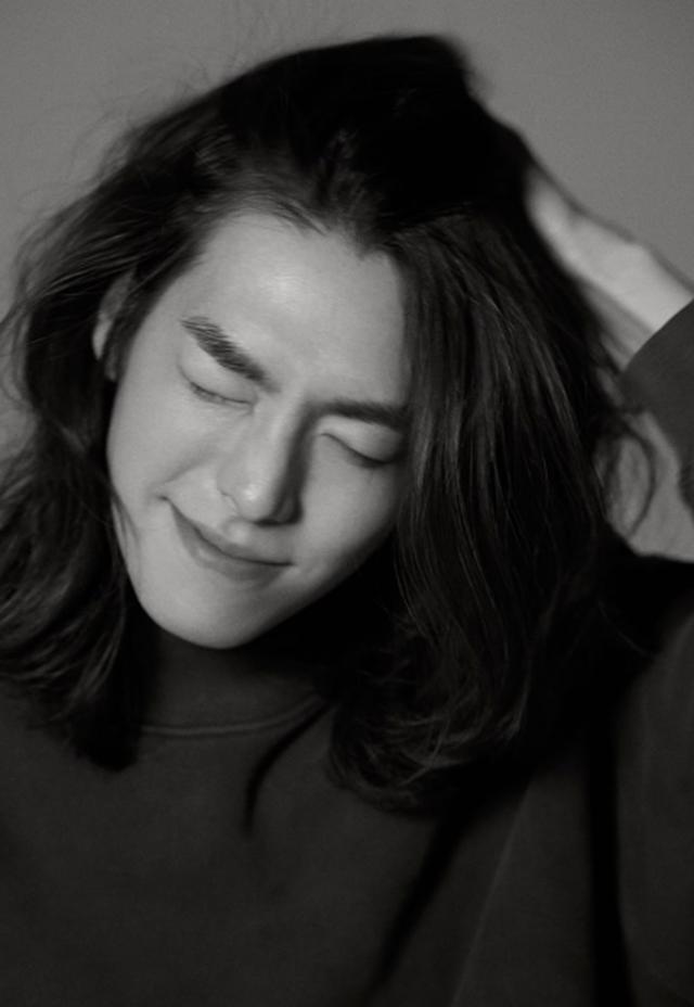 Bất ngờ với hình ảnh lãng tử của tài tử bị ung thư Kim Woo Bin - 2