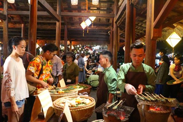 Lần đầu tiên tổ chức chợ ẩm thực di sản Hội An - 10