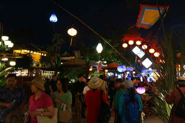 Lần đầu tiên tổ chức chợ ẩm thực di sản Hội An - 2