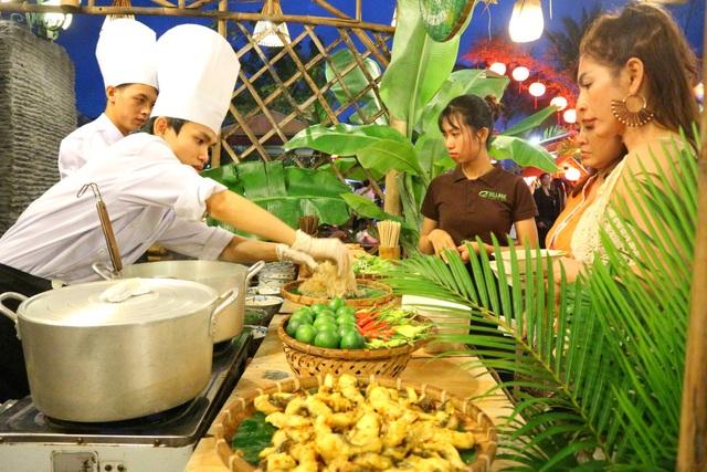 Lần đầu tiên tổ chức chợ ẩm thực di sản Hội An - 3