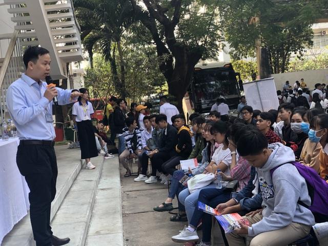Hơn 7.000 học sinh tham dự ngày hội hướng nghiệp tại trường đại học - 4
