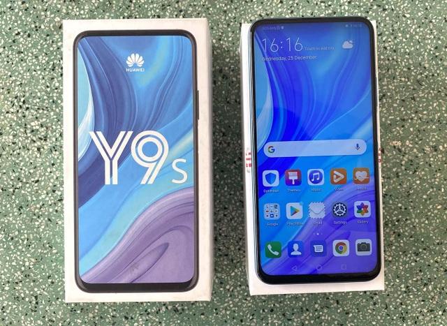 Đập hộp Huawei Y9s chính hãng camera trượt, pin khoẻ - 2