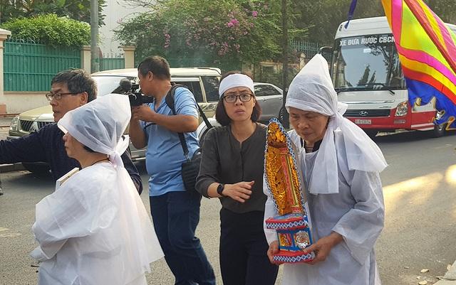 Tiễn biệt nhạc sĩ Nguyễn Văn Tý về nơi an nghỉ cuối cùng - 12