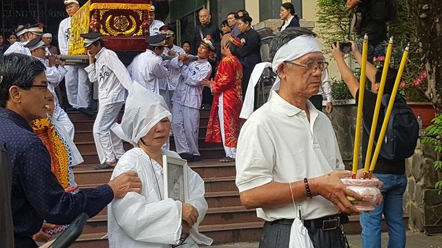 Tiễn biệt nhạc sĩ Nguyễn Văn Tý về nơi an nghỉ cuối cùng - 9