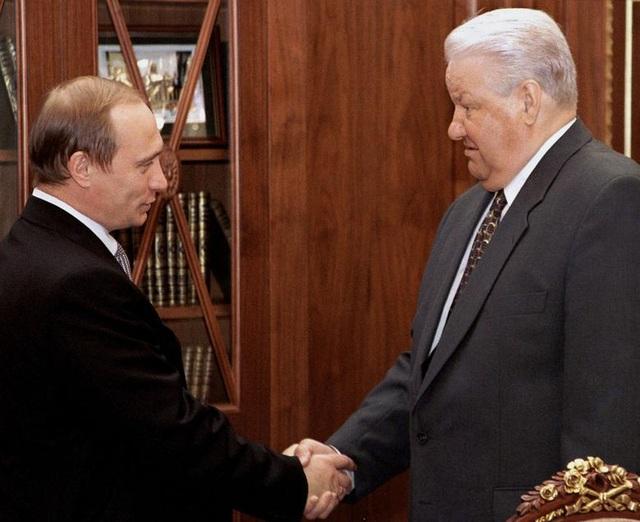 Những dấu ấn trong 20 năm ông Putin chèo lái nước Nga - 2