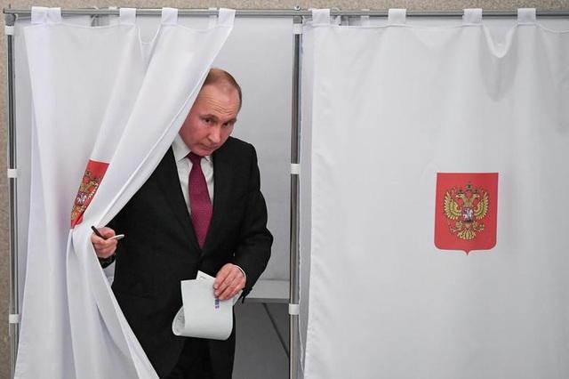 Những dấu ấn trong 20 năm ông Putin chèo lái nước Nga - 18
