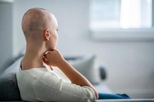 Cách giảm rụng tóc trong thời gian hóa trị ung thư - 2