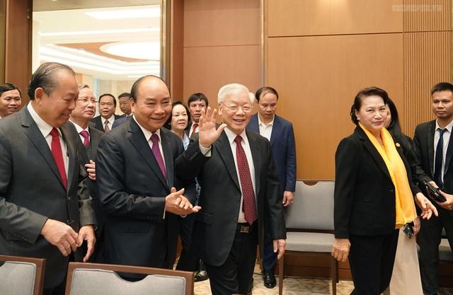 Thủ tướng gửi lời cảm ơn đến từng người dân, từng công chức, viên chức! - 2