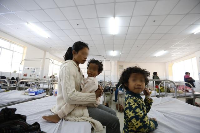 Gần 100 trẻ nhập viện cấp cứu sau bữa ăn từ thiện - 2