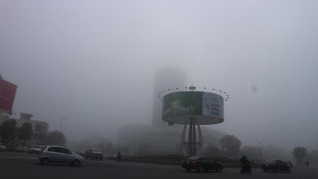 Thành phố Hà Tĩnh chìm trong biển sương mù ngày cuối năm - 10