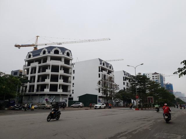 """Vụ tranh chấp rúng động ở Hà Nội: Căn cứ nào để Sở Tài nguyên cấp sổ đỏ cho """"đất vàng""""? - 1"""