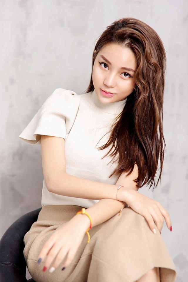 """Hot girl Hưng Yên: """"Cả năm đi làm, Tết về dọn nhà là vui nhất"""" - 6"""