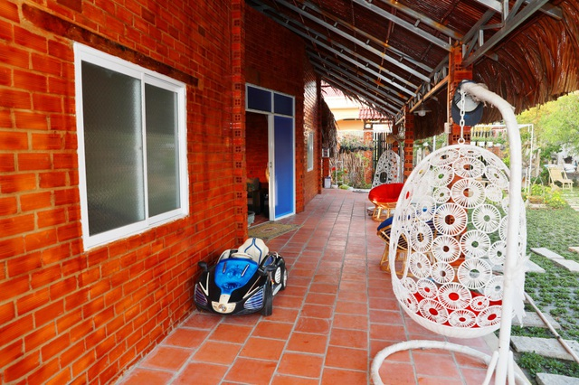 Quyền Linh đưa vợ con thăm nhà vườn hàng nghìn m2 của em trai Quyền Lộc - 20