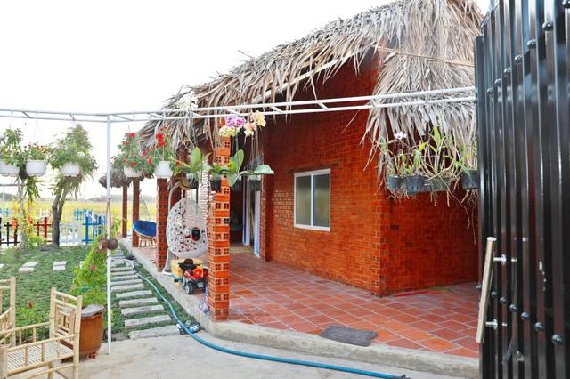 Quyền Linh đưa vợ con thăm nhà vườn hàng nghìn m2 của em trai Quyền Lộc - 16