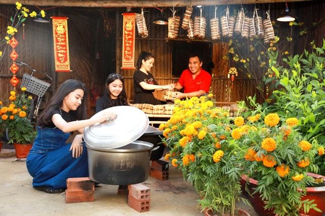 Quyền Linh đưa vợ con thăm nhà vườn hàng nghìn m2 của em trai Quyền Lộc - 3