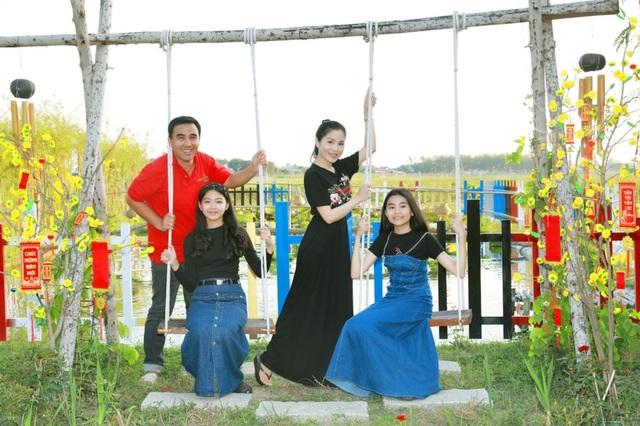 Quyền Linh đưa vợ con thăm nhà vườn hàng nghìn m2 của em trai Quyền Lộc - 4