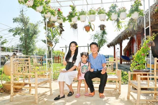 Quyền Linh đưa vợ con thăm nhà vườn hàng nghìn m2 của em trai Quyền Lộc - 10