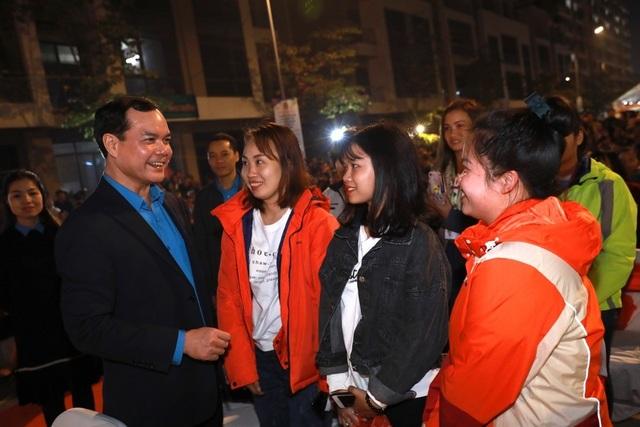 Bắc Ninh: Trao 7.000 vé tàu xe cho công nhân lao động về quê đón Tết Canh Tý - 2