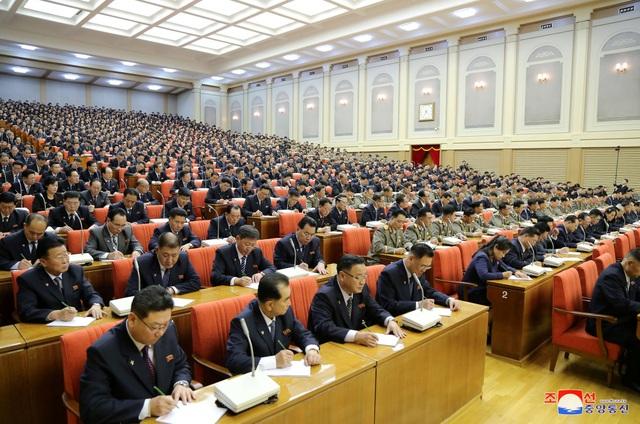 Ông Kim Jong-un triệu họp về an ninh quốc phòng giữa lúc căng thẳng với Mỹ - 10