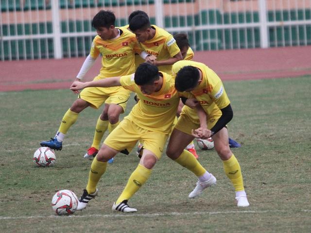 Đình Trọng hồi phục chấn thương, HLV Park Hang Seo yên tâm với hàng thủ - 3