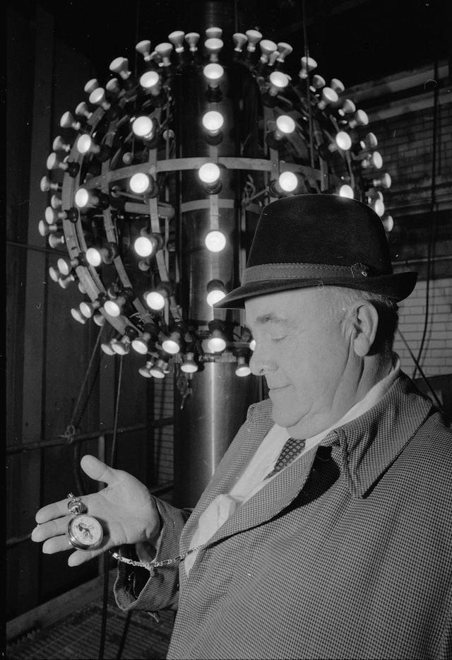 Tại sao người Mỹ làm lễ hạ quả cầu pha lê trong đêm Giao thừa? - 10