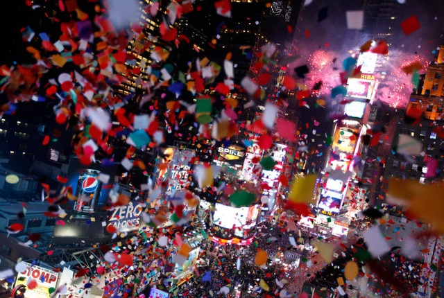 Tại sao người Mỹ làm lễ hạ quả cầu pha lê trong đêm Giao thừa? - 1