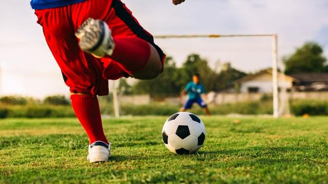 Giám đốc BV Thể thao Việt Nam chỉ ra những rủi ro khi chơi bóng đá phong trào - 5