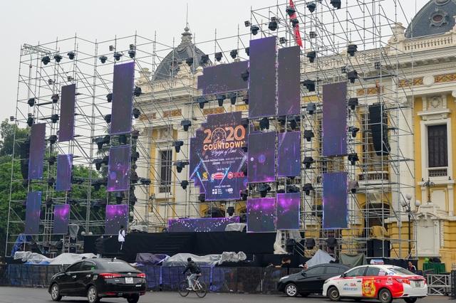 Những điểm xem countdown 2020 đông vui nhất ở Hà Nội - 5