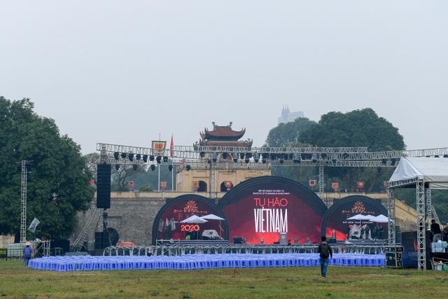 Những điểm xem countdown 2020 đông vui nhất ở Hà Nội - 10