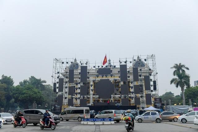 Những điểm xem countdown 2020 đông vui nhất ở Hà Nội - 4