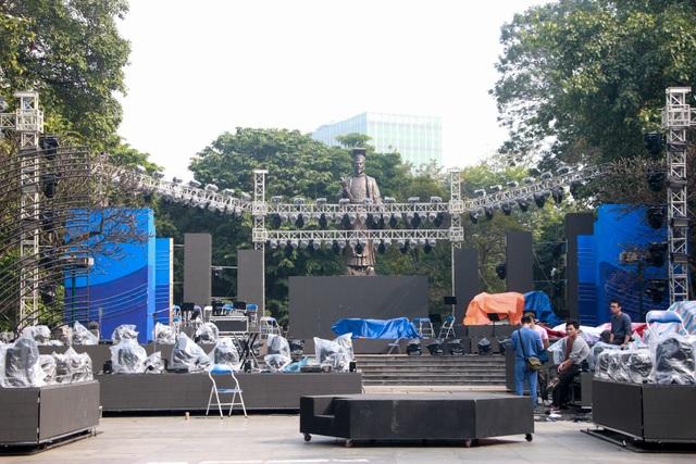 Những điểm xem countdown 2020 đông vui nhất ở Hà Nội - 7