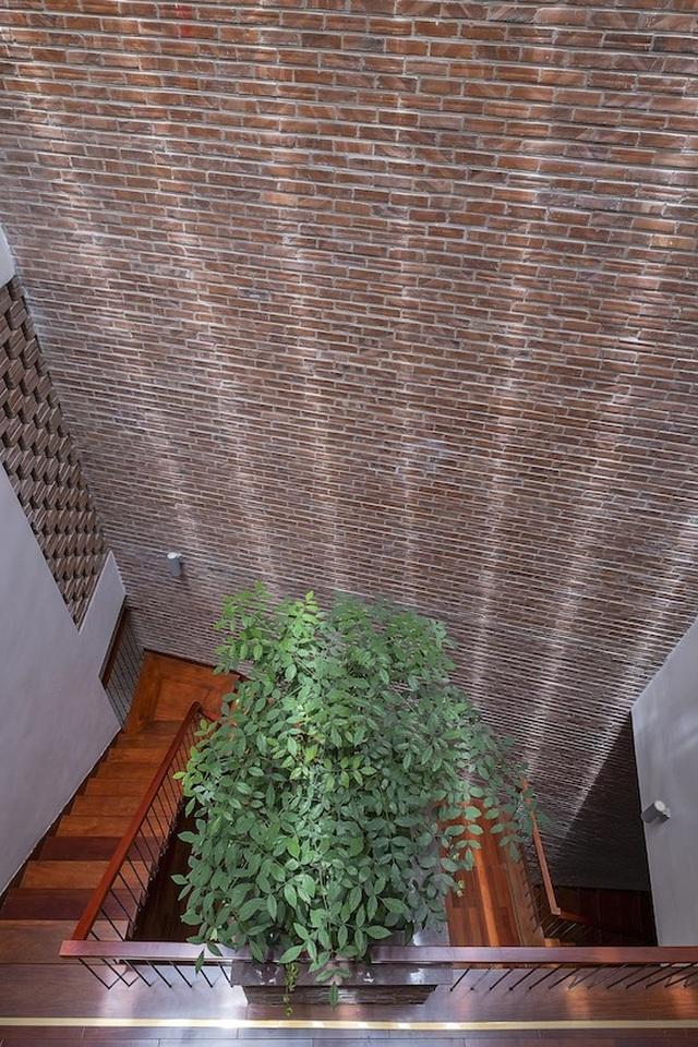Độc đáo ngôi nhà 5 tầng biết thở ở Bắc Ninh - 10