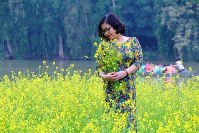 Vườn hoa cải rực vàng đẹp mê hồn khiến du khách nao lòng ở Thung Nham - 7