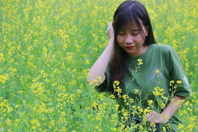 Vườn hoa cải rực vàng đẹp mê hồn khiến du khách nao lòng ở Thung Nham - 11