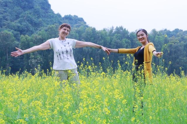 Vườn hoa cải rực vàng đẹp mê hồn khiến du khách nao lòng ở Thung Nham - 5