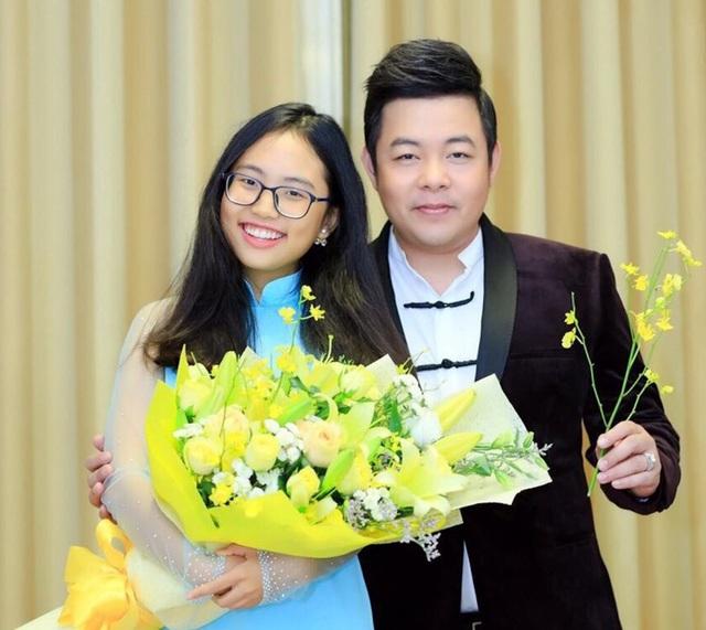 Phương Mỹ Chi bất ngờ rời công ty của ba nuôi Quang Lê sau 6 năm - 2