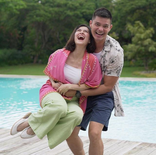 Vợ chồng mỹ nhân đẹp nhất Philippines hạnh phúc kỷ niệm ngày cưới - 1