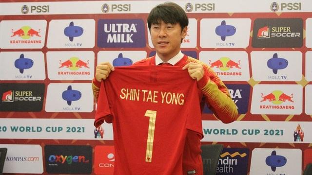 HLV Park Hang Seo tuyên bố không nhượng bộ đồng nghiệp Shin Tae-yong - 1