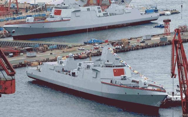 """Trung Quốc ồ ạt đóng tàu chiến hòng """"nuôi"""" tham vọng hải quân - 1"""