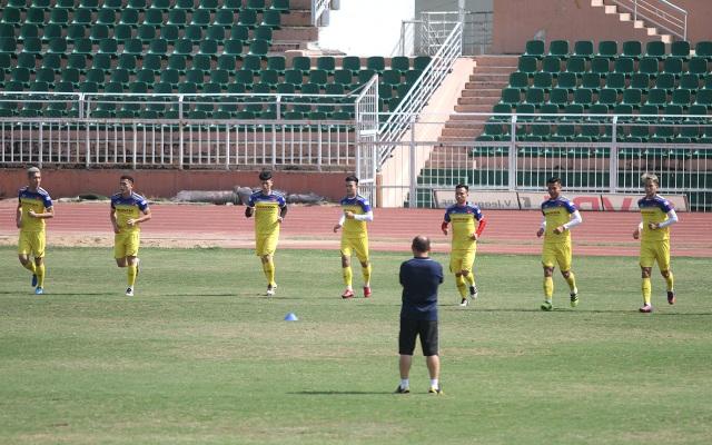 U23 Việt Nam đội nắng tập luyện trong ngày cuối cùng của năm 2019 - 8
