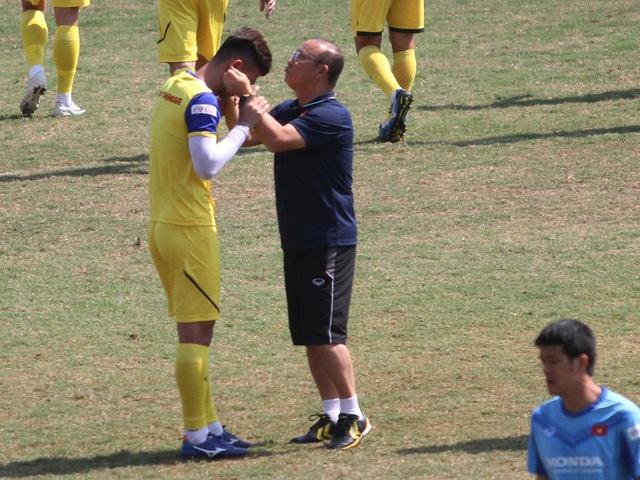U23 Việt Nam đội nắng tập luyện trong ngày cuối cùng của năm 2019 - 7