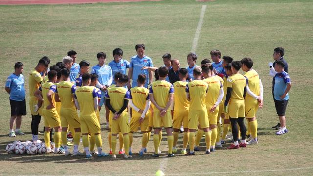 U23 Việt Nam đội nắng tập luyện trong ngày cuối cùng của năm 2019 - 6