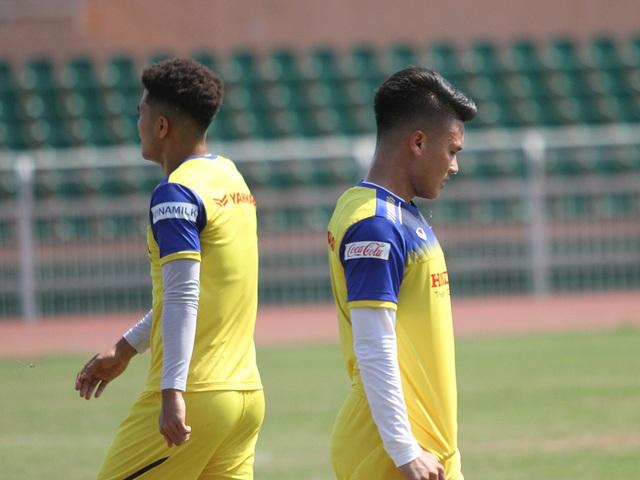 U23 Việt Nam đội nắng tập luyện trong ngày cuối cùng của năm 2019 - 11